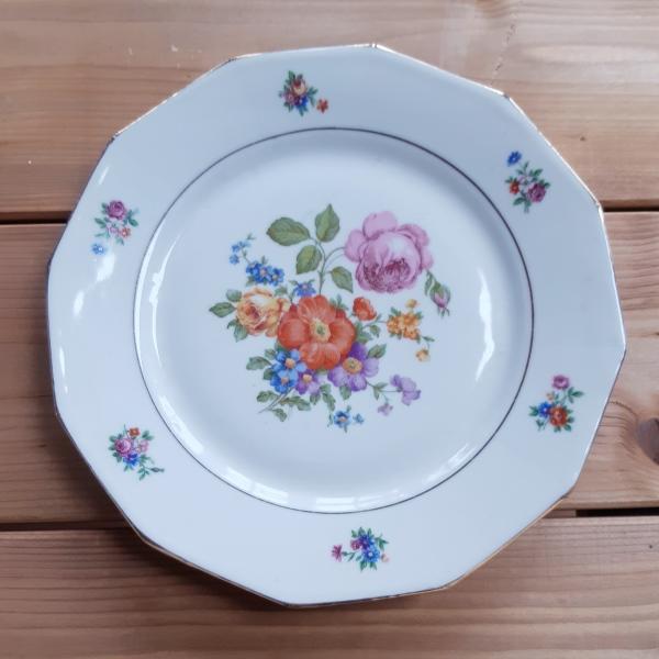Assiette à Motif Floral