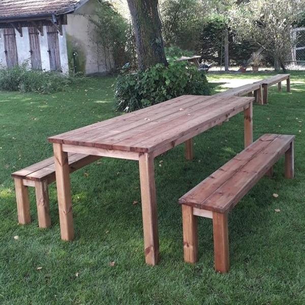 Table Et Bancs En Bois Esprit Champêtre