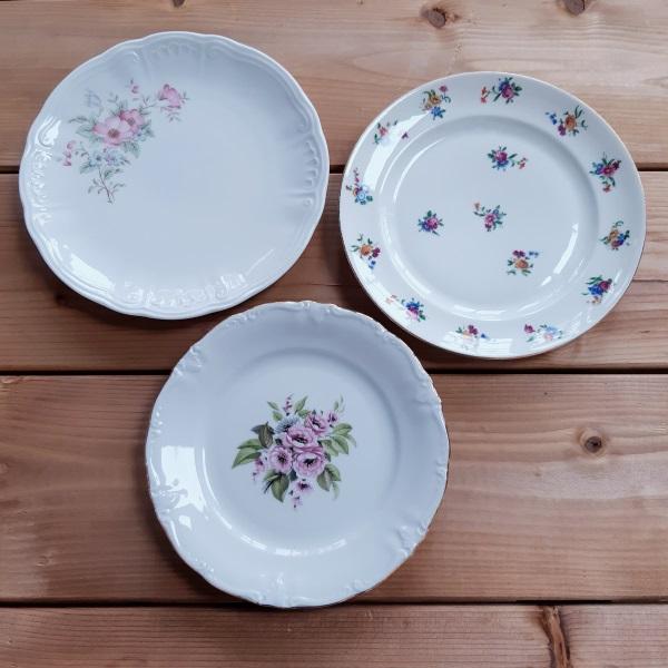 Trio D'assiettes à Dessert En Porcelaine