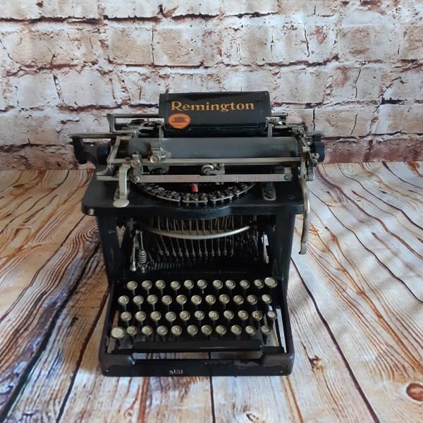Machine à écrire Ancienne Remington à Louer