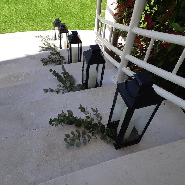 Descente De Lanternes Escalier