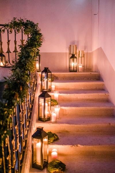 Lanternes et bougies de mariage romantique