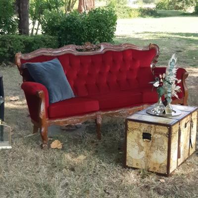 Canapé En Velour Rouge