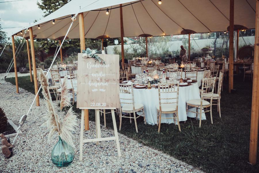 Entrée de tente pour mariage