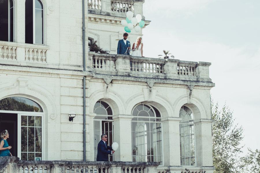 Laché de ballon sur la terrasse du Château Mader