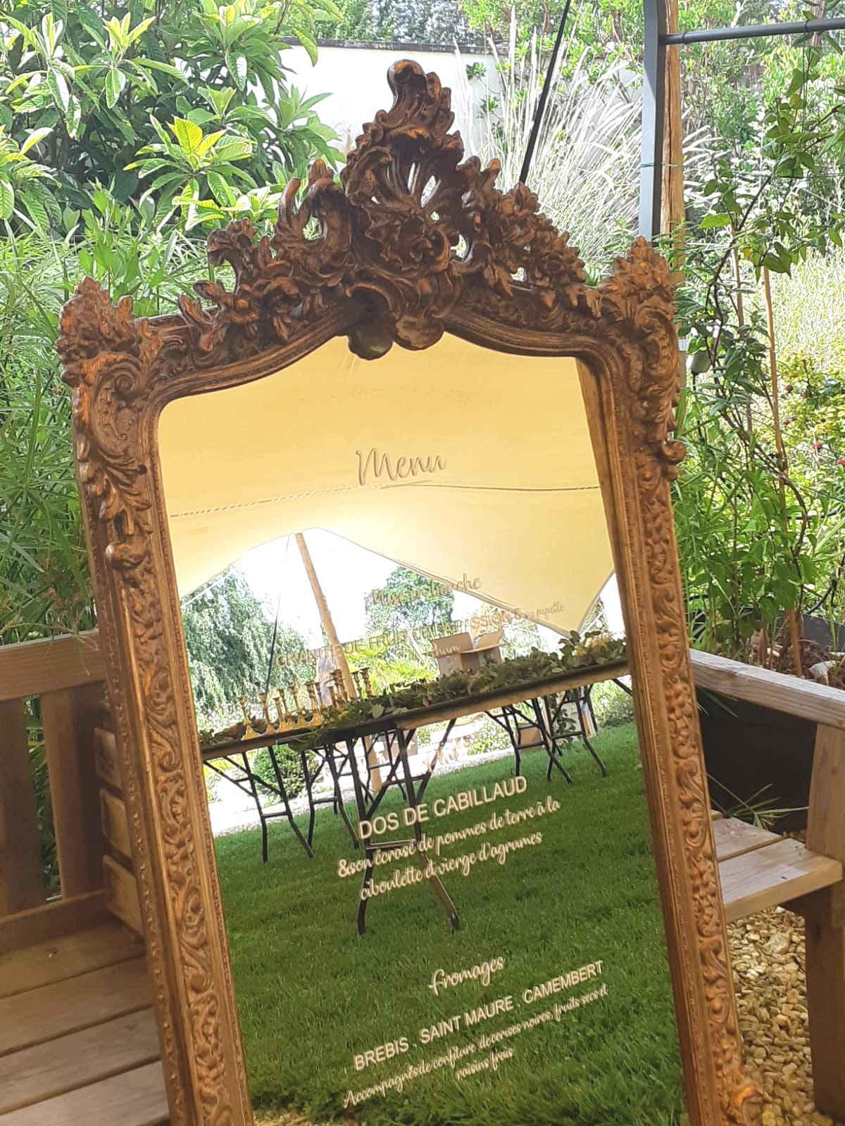 Menu sur miroir - mariage au château Mader