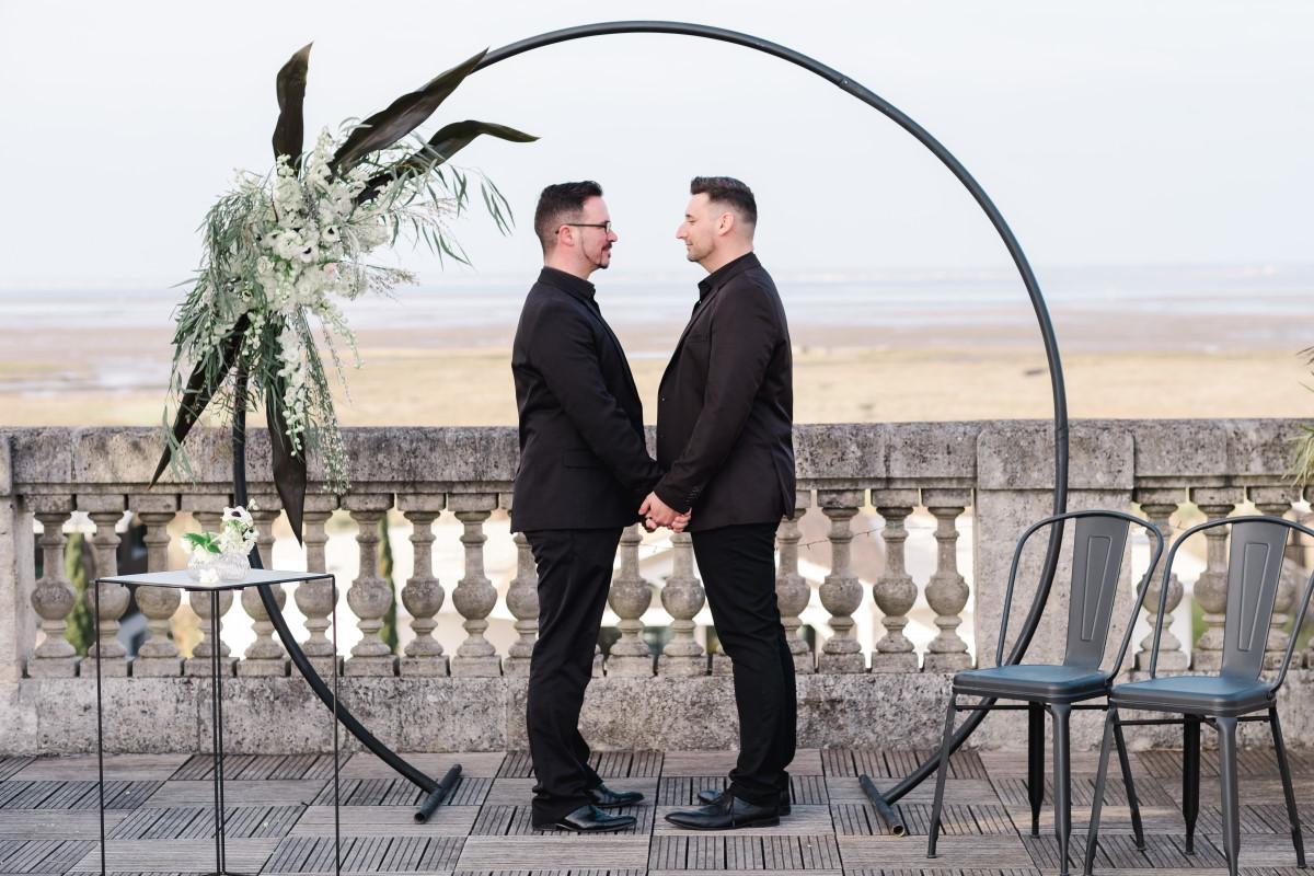 Cérémonie de mariage gay sur le bassin d'arcachon