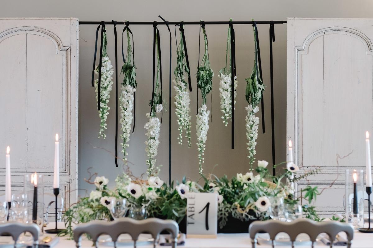 Décor floral de mariage suspendu